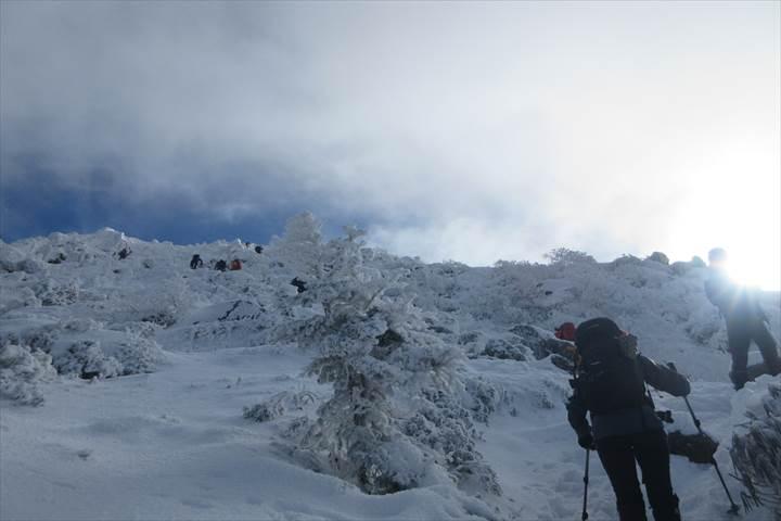 西天狗岳山頂へ