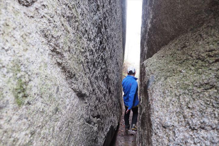 石割神社通る